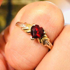 14k Yellow Gold Heart Cut Garnet Diamond Ring